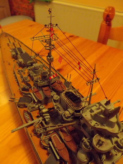 "Battleship ""BISMARCK"" 1/350 Revell - Page 2 7-3cd2ce9"