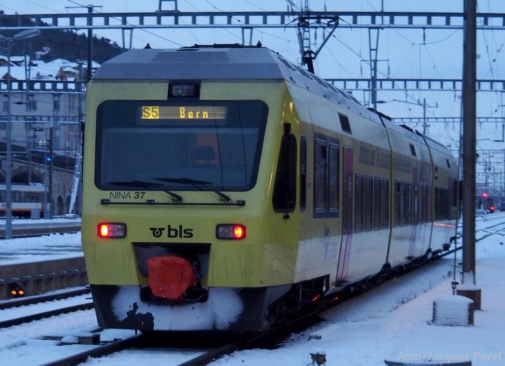 Spot du jour ferroviaire. Nouvelles photos postées le 28 Novembre 2016 Rabe-525-037-nina-login-bls-3b5efcf